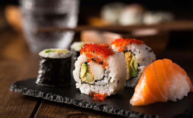 hikari sushi and sake bar